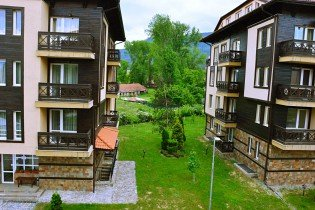Bansko: furnished one-bedroom apartment in Bojurland Complex