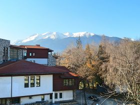 Bansko: Sunny Two-Bedroom Apartment in Bell Tower 2