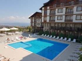 Studio with a terrace in Green Life Ski and Spa Resort Bansko